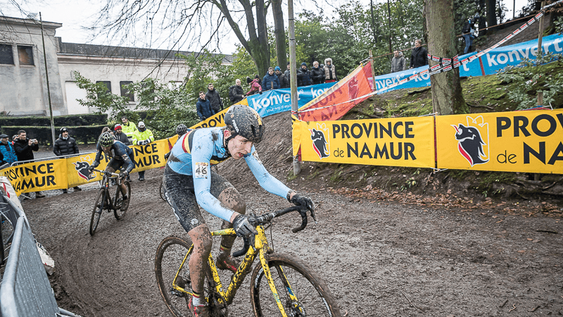 Gage Hecht mastering the slick corners during Namur World Cup. Photo Credits to Sport.be